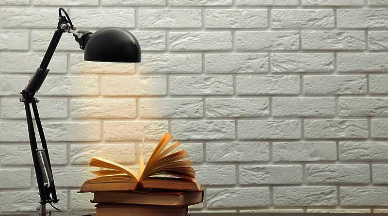 lampada da libro